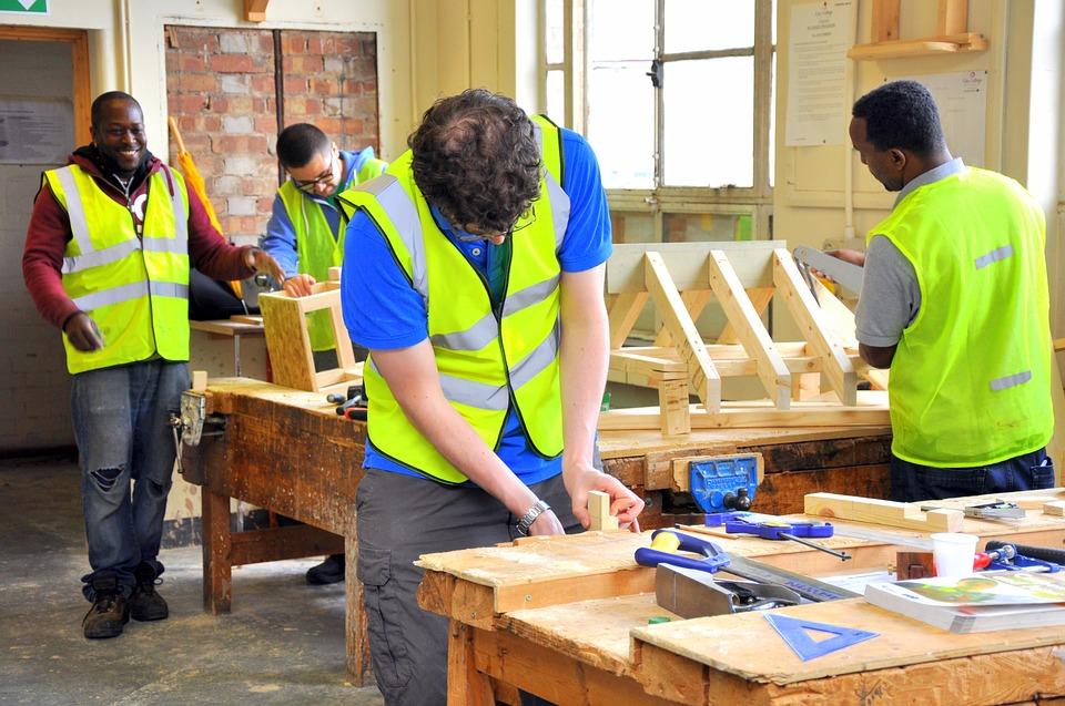 Comment obtenir une licence de charpentier en ligne ?